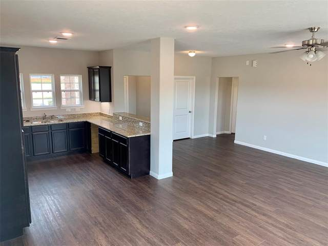 706 Road 5105, Cleveland, TX 77327 (MLS #15904041) :: The Queen Team