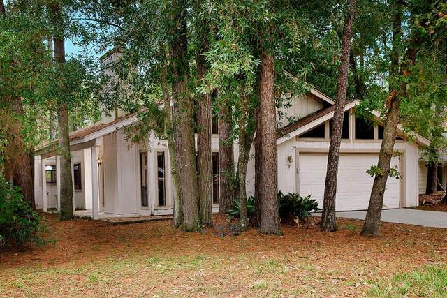 7 N Timber Top Drive, The Woodlands, TX 77380 (MLS #15918929) :: Michele Harmon Team