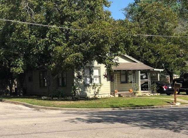 317 Poth Street, Yoakum, TX 77995 (MLS #15945415) :: Texas Home Shop Realty