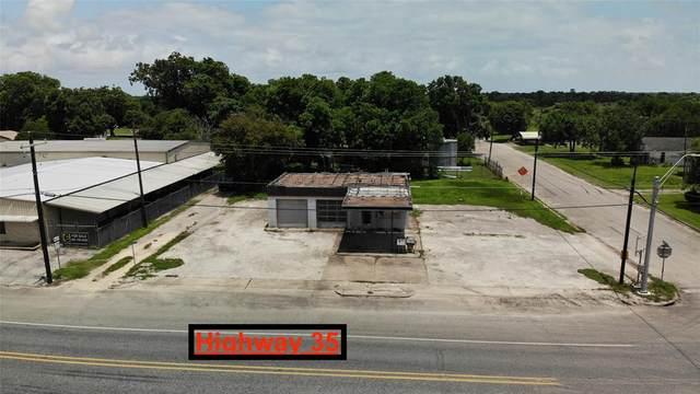 102 Main Street, Tivoli, TX 77990 (MLS #15950334) :: My BCS Home Real Estate Group