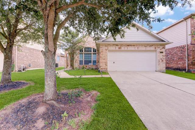 13404 Hickory Springs Lane, Pearland, TX 77584 (MLS #16175820) :: Christy Buck Team