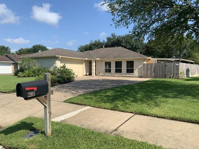 2911 Poplar Creek Lane, Pearland, TX 77584 (MLS #16234659) :: The Heyl Group at Keller Williams