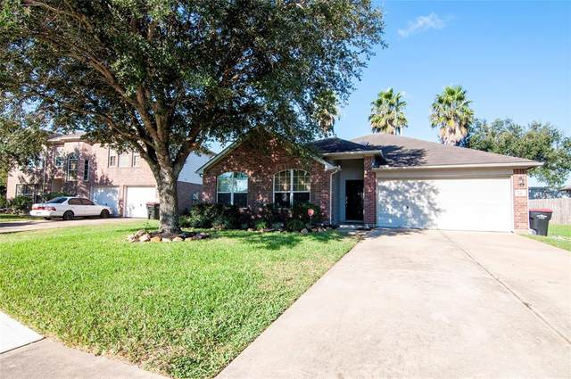 111 Willoughby Court, Richmond, TX 77469 (MLS #16351897) :: My BCS Home Real Estate Group