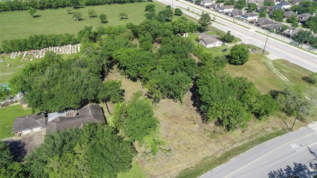16624 Mclean Road, Pearland, TX 77584 (MLS #16457526) :: The SOLD by George Team