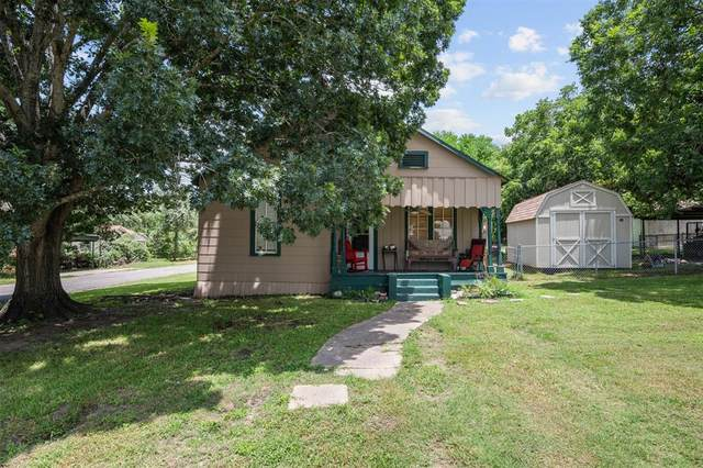 922 E 2nd Street, Bellville, TX 77418 (#16626675) :: ORO Realty