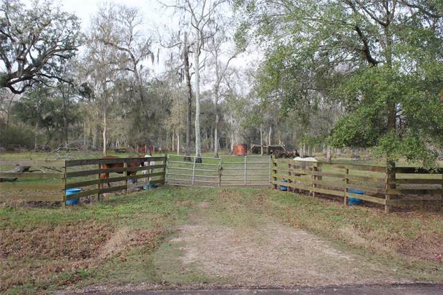 191 County Road 845, Angleton, TX 77515 (MLS #16674126) :: NewHomePrograms.com LLC