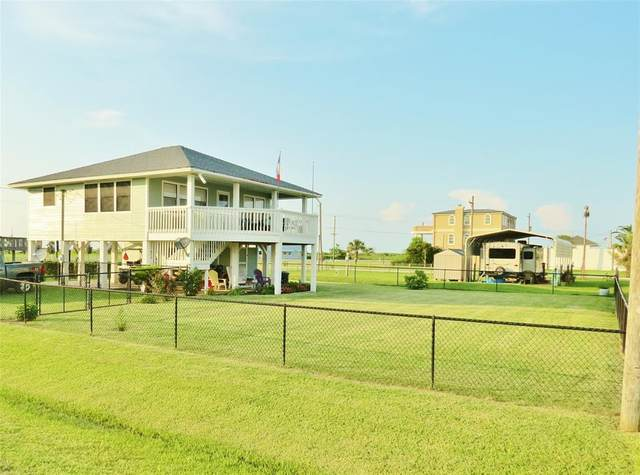 990 Olive, Crystal Beach, TX 77650 (MLS #16956205) :: The Freund Group