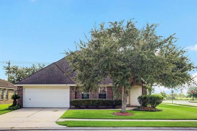 3419 Cypress Village Drive, Pearland, TX 77584 (MLS #17035804) :: Christy Buck Team