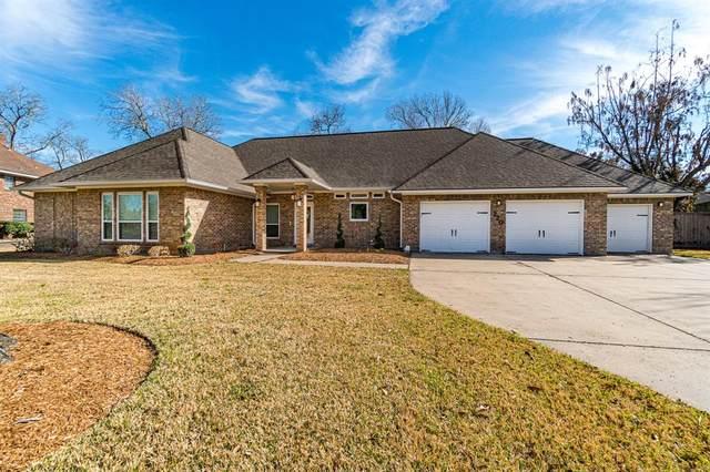 220 Dewberry Drive, Lake Jackson, TX 77566 (MLS #17043156) :: Bray Real Estate Group