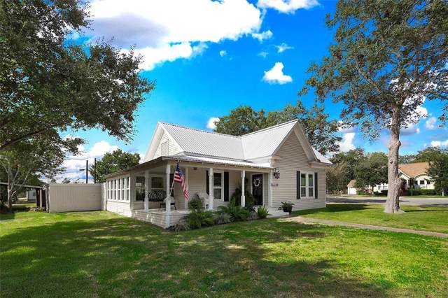 309 W Post Office Street, Weimar, TX 78962 (MLS #17044002) :: NewHomePrograms.com LLC