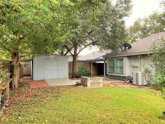 7703 Loro Linda Drive, Houston, TX 77083 (MLS #17118342) :: The SOLD by George Team