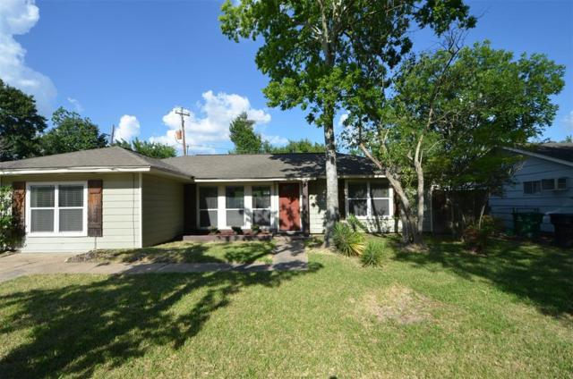 1910 Huge Oaks Street, Houston, TX 77055 (MLS #17169347) :: The Bly Team