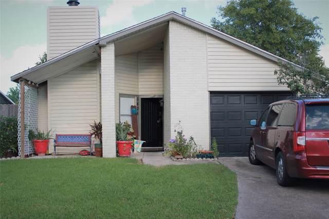 5404 Carousel Circle, Baytown, TX 77521 (MLS #17550210) :: Phyllis Foster Real Estate