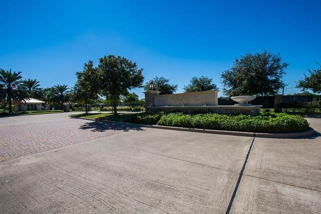 6402 Dow Reef Dr, Beach City, TX 77523 (MLS #17590769) :: NewHomePrograms.com LLC