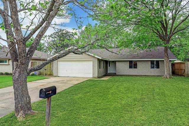 4115 Ravine Drive, Friendswood, TX 77546 (MLS #17634494) :: Christy Buck Team