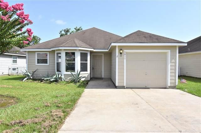 5011 Abbie Lane, Dickinson, TX 77539 (MLS #17639566) :: Parodi Group Real Estate