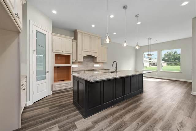 33002 Woodlake, Fulshear, TX 77441 (MLS #17640054) :: The Home Branch