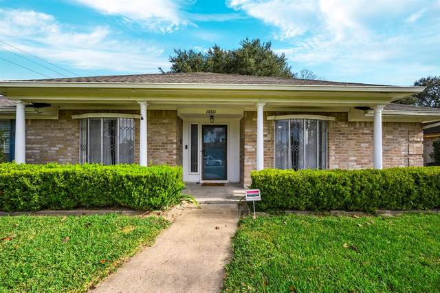 12211 Wrenthorpe Drive, Houston, TX 77031 (MLS #17803898) :: Christy Buck Team