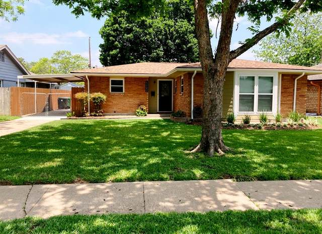 5002 Saxon Drive, Houston, TX 77092 (MLS #17843156) :: The SOLD by George Team