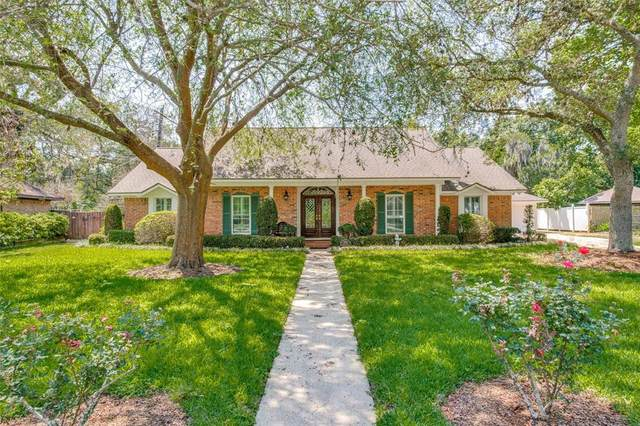 406 Forest Drive, Lake Jackson, TX 77566 (MLS #18017860) :: Connell Team with Better Homes and Gardens, Gary Greene