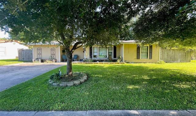 931 E Magnolia Street, Angleton, TX 77515 (MLS #18155783) :: The Bly Team