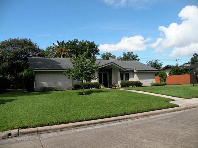 18614 Capetown Drive, Nassau Bay, TX 77058 (MLS #18158214) :: The SOLD by George Team