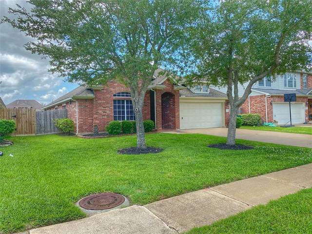 1814 High Falls Lane, Pearland, TX 77581 (MLS #18359811) :: Ellison Real Estate Team