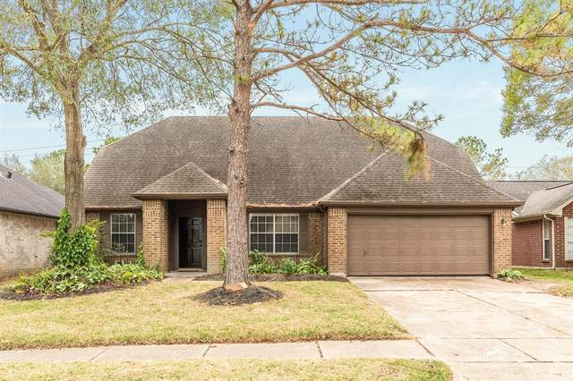 15822 Constitution Lane, Friendswood, TX 77546 (MLS #18387455) :: The Property Guys