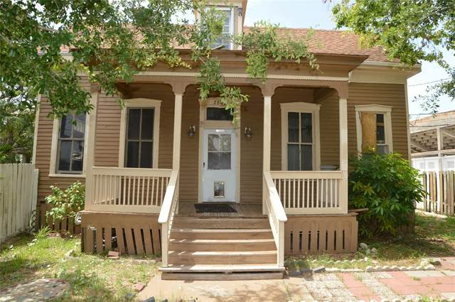 2802 Avenue M 1/2, Galveston, TX 77550 (MLS #18455203) :: The SOLD by George Team
