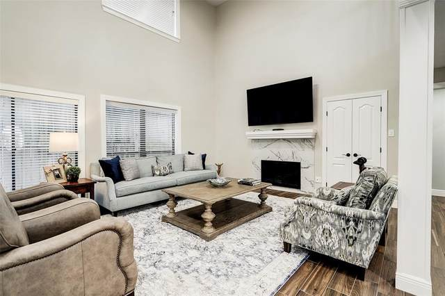 2555 Bering Drive #8, Houston, TX 77057 (#18677546) :: ORO Realty