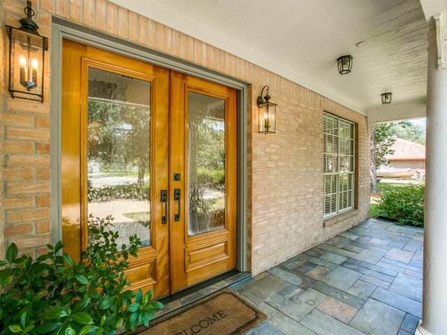 1308 Thomas Drive, Friendswood, TX 77546 (MLS #18728930) :: The SOLD by George Team