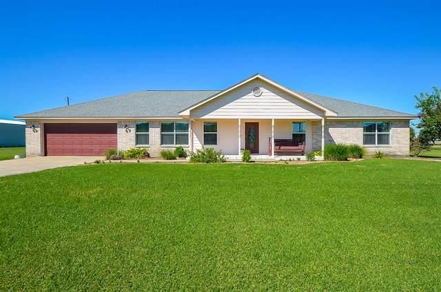 556 Meadowview Drive, El Campo, TX 77437 (MLS #18851093) :: Connect Realty