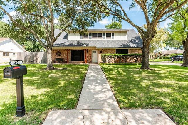 5021 Westwood Drive, Dickinson, TX 77539 (MLS #18865480) :: The Bly Team