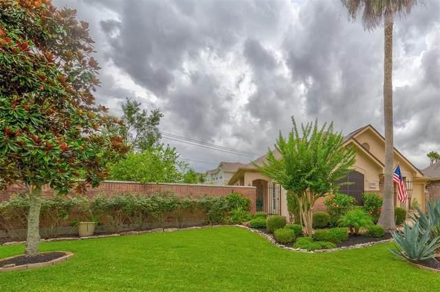 2248 Fairway Pointe Drive, League City, TX 77573 (MLS #19454244) :: Ellison Real Estate Team