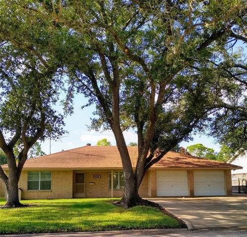 1004 Country Club Drive, Richmond, TX 77469 (MLS #19567541) :: TEXdot Realtors, Inc.