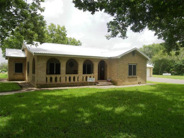 1641 N Texana Street, Hallettsville, TX 77964 (MLS #19649301) :: The Freund Group