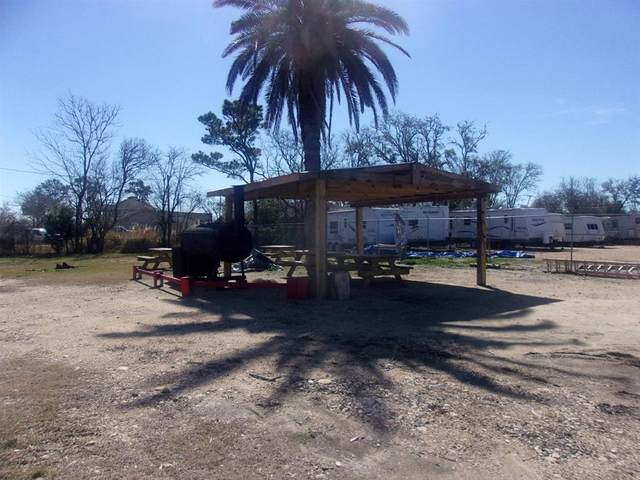 2445 E Hwy 517, San Leon, TX 77539 (MLS #2000280) :: The Queen Team