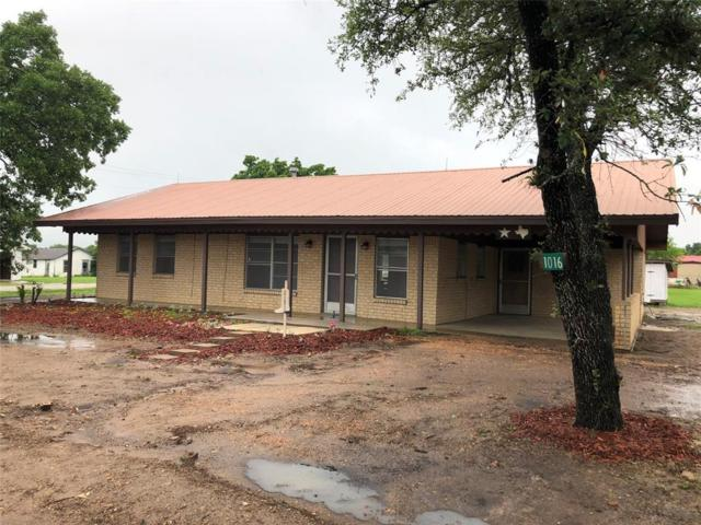 1016 Kocurek Street, Dime Box, TX 77853 (MLS #20121170) :: The SOLD by George Team