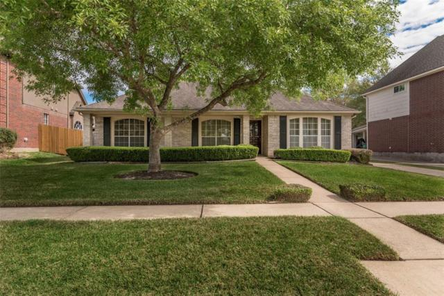 2730 Carmel Woods Drive, Seabrook, TX 77586 (MLS #20163674) :: REMAX Space Center - The Bly Team