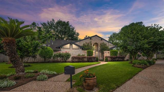 822 Alhambra Court, Sugar Land, TX 77478 (MLS #20195262) :: Caskey Realty