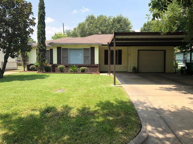 1304 Cedarwood Drive, Pasadena, TX 77502 (MLS #2020307) :: The Sold By Valdez Team