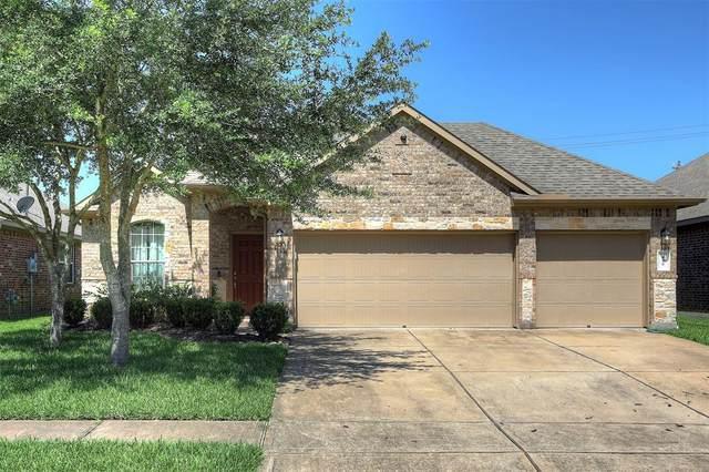 425 Holly Branch Lane, Kemah, TX 77565 (MLS #20216231) :: Ellison Real Estate Team