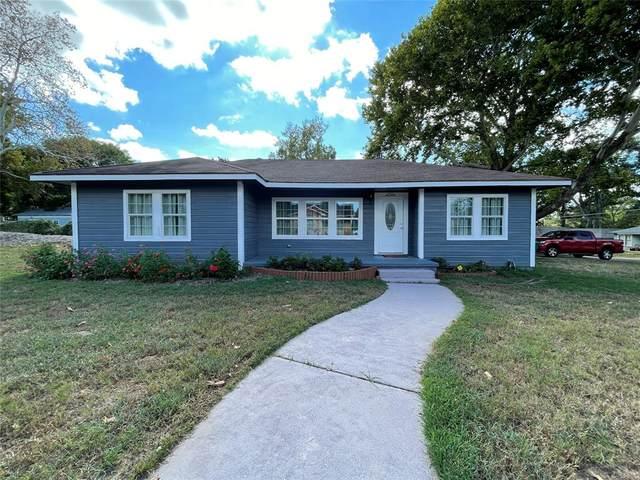 1300 S Chappell Hill Street, Brenham, TX 77833 (#20287995) :: ORO Realty