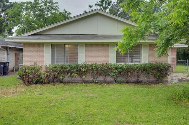 1823 W Blum Street, Alvin, TX 77511 (MLS #20293643) :: My BCS Home Real Estate Group