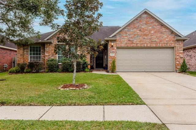 541 Green Cedar Drive, League City, TX 77573 (MLS #20322965) :: The Freund Group
