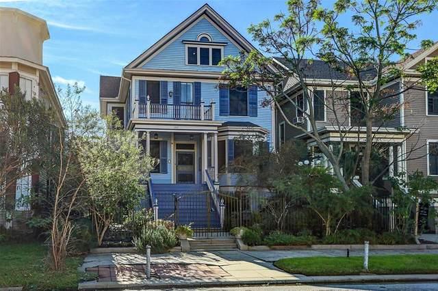 1915 Sealy Street, Galveston, TX 77550 (MLS #20330670) :: Texas Home Shop Realty