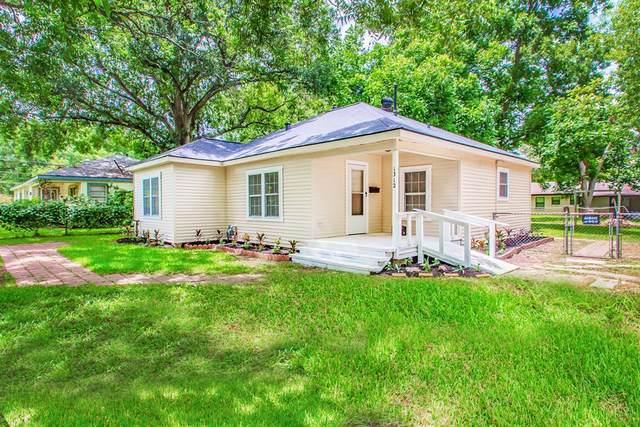 1312 W Sealy Street, Alvin, TX 77511 (MLS #20406194) :: Giorgi Real Estate Group