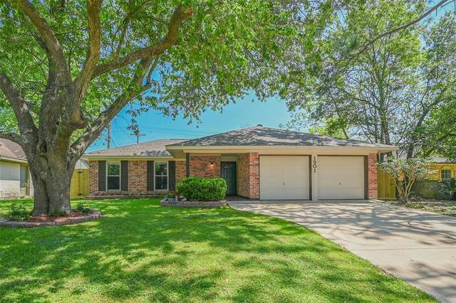 1901 Williamsburg Court S, League City, TX 77573 (MLS #20570067) :: Texas Home Shop Realty