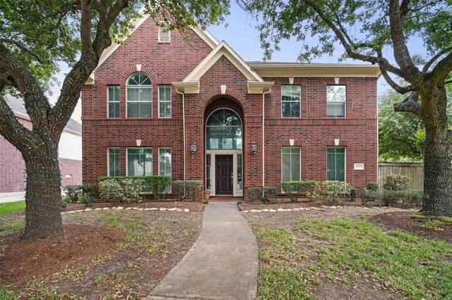 2618 Mandalay Court, Pearland, TX 77584 (MLS #20603960) :: Caskey Realty