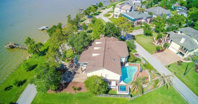 203 W Shore Drive, Clear Lake Shores, TX 77565 (MLS #20663729) :: The Collective Realty Group